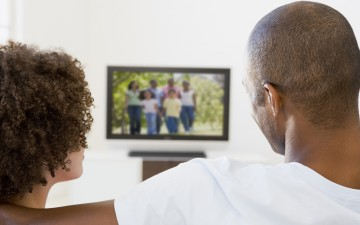 couple_watching_tv_article-small_57167
